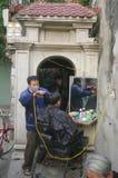 Herrenfriseur-Straße in Hanoi stockbilder