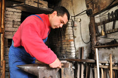 Herrero, trabajador del hierro Foto de archivo libre de regalías