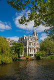 Herrgård i Amsterdam Royaltyfria Bilder