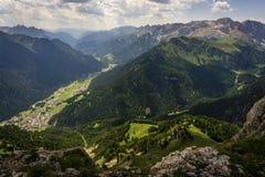 Herrliche Aussicht von Val Di Fassa dolomites Italien stockfoto