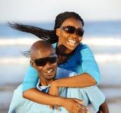 Herrliche glückliche Paare lizenzfreie stockbilder