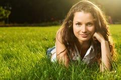 Herrliche junge hübsche Frau Lizenzfreie Stockfotografie
