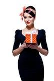 Herrlicher Brunette mit Geschenkbox Stockfoto