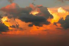 Herrlicher bunter Sonnenuntergang Lizenzfreies Stockfoto