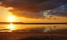 Herrlicher indonesischer Sonnenuntergang Lizenzfreies Stockfoto