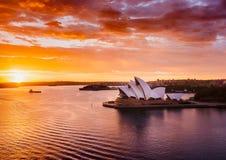 Herrlicher Sonnenaufgang bei Sydney Harbour stockfoto