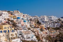 Herrliches Dorf Oia in Santorini lizenzfreie stockbilder