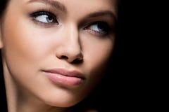 Herrliches Mädchen mit schönem Gesicht Lizenzfreies Stockfoto