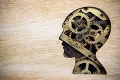 Hersenenmodel van roestige metaaltoestellen dat wordt gemaakt royalty-vrije stock foto's