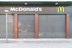 Hersonissos Grekland, januari 21, 2018: Stängd restau för McDonald ` s arkivfoto