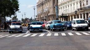 Herstelde Auto's in Havana Stock Fotografie