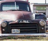 Herstelde Klassieke GMC-Landbouwbedrijfvrachtwagen Royalty-vrije Stock Afbeeldingen