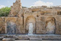 Herstelde Nympheum in Caesarea, Israël stock afbeeldingen