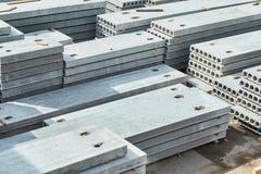 Herstellende Betonplatten Stahlbetonproduktion Lizenzfreie Stockfotografie