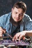 Hersteller bevestigend probleem met het solderen van hulpmiddel Stock Afbeelding