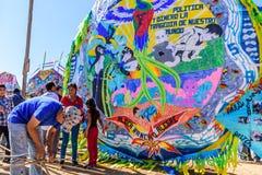 Herstellung des Drachens, riesiges Drachenfestival, der Allerheiligen, Guatemala Stockfoto