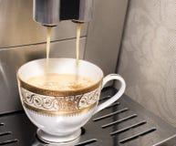 Herstellung des Kaffees lizenzfreies stockfoto