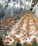 Herstellung des Krabbencocktails Stockbilder