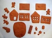 Herstellung des Lebkuchenhauses Lizenzfreie Stockfotografie