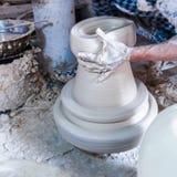 Herstellung des Porzellans auf Rad Lizenzfreies Stockfoto