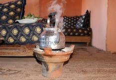 Herstellung des tadellosen Tees Stockfoto