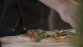 Herstellung einer Pizza stock video footage