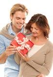 Herstellung eines Geschenkes lizenzfreie stockfotografie