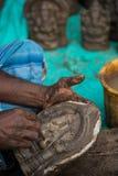 Herstellung vom hindischen Gottnamen Ganapati bei Chidambaram, Tamilnadu, Indien Lizenzfreie Stockfotografie
