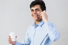 Herstellung von Anrufen stockbild