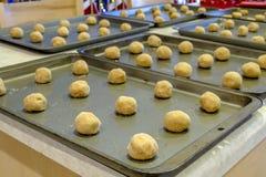 Herstellung von Erdnussbutter-Plätzchen Stockfotos