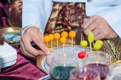 Herstellung von khanom lookchoup stockfoto