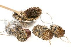 Herstellung von Zufuhren für Vögel von den Samen und vom Fett Stockbilder