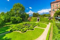 Hertiglig Aglie `-slott, i Piedmont, Italien royaltyfria bilder