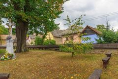 Hervartov天主教木教会的围场  免版税图库摄影