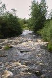 Hervir el río rocoso fotografía de archivo libre de regalías