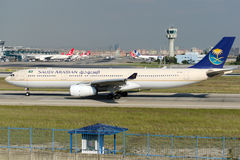 Herz-AQG Saudi Arabian Airlines-Luchtbus A330-343 Stock Afbeeldingen