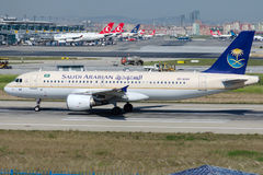 Herz-AS44 Saudi Arabian Airlines, Luchtbus A320-214 royalty-vrije stock afbeelding