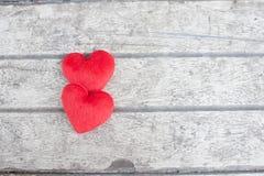 Herz auf dem Holz Lizenzfreie Stockbilder
