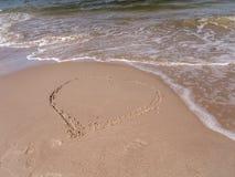 Herz auf dem Strand Stockfotografie