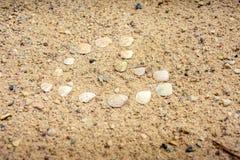Herz auf dem Strand Lizenzfreie Stockbilder