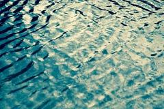 Herz auf Seewasser Stockfoto