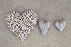 Herz drei auf dem floor& x28; Valentine& x27; s-day& x29; lizenzfreie stockbilder