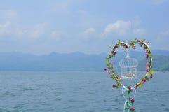 Herz formte Blumenliebhaberhimmel lizenzfreies stockfoto