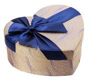 Herz-förmige Geschenkbox mit blauem Bogen Lizenzfreies Stockfoto