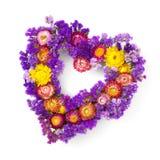 Herz geformter Blumenkranz Stockbild