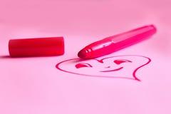 Herz gezeichnet auf Karte für Valentinsgruß ` s Tag Lizenzfreie Stockbilder