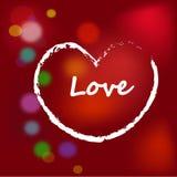Herz gezeichnet durch eine Bürste auf rotem Hintergrund Stockbilder
