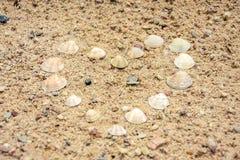 Herz im Sand Stockfoto