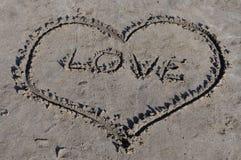 Herz-Liebe auf Küste Stockfotografie