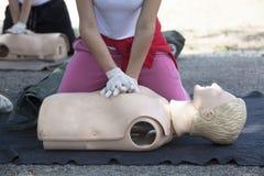 Herz-Lungen-Wiederbelebung - CPR Lizenzfreies Stockfoto